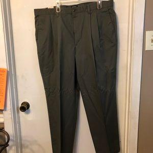 Dockers Khakes men's pants W42 L30
